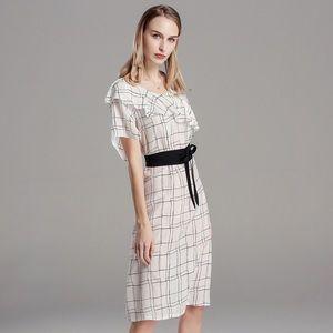 White long bottom black strap tight up dress